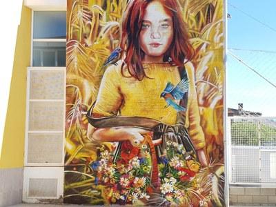Mural de l' artista Lily Brick